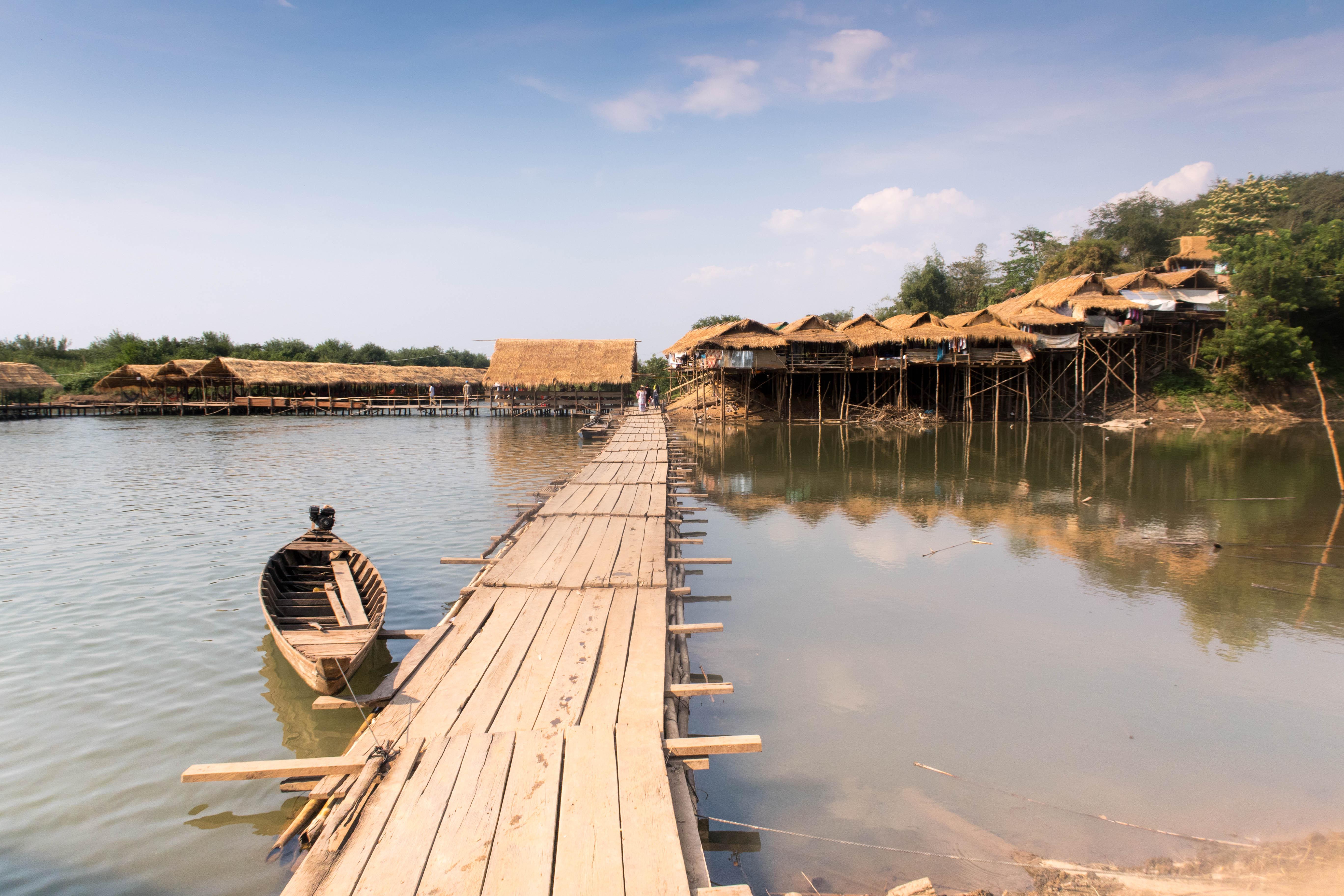 Maisons pêcheurs bateau 2 - CAMBODGE