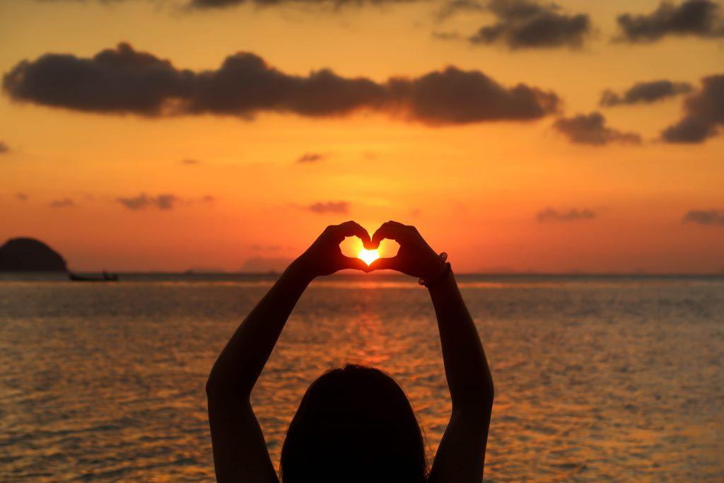 Sunset coeur 1 sur 1 1024x683 - Bienvenue dans mon univers : Bien-être, Écologie, Arts