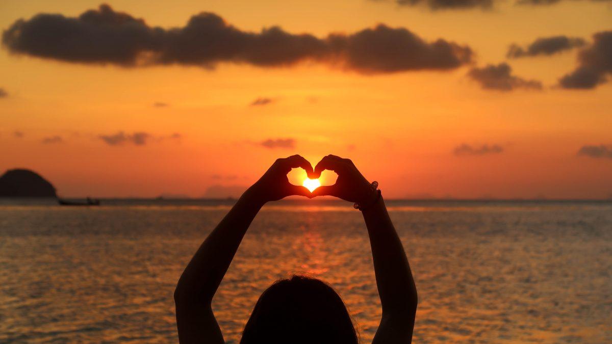 Sunset coeur 1 sur 1 1200x675 - Bienvenue dans mon univers : Bien-être, Écologie, Arts